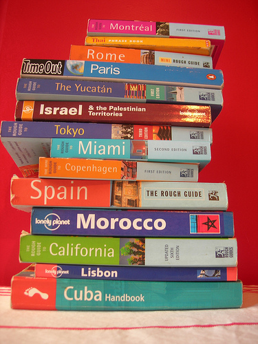 travel-guide-books1